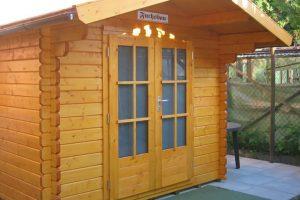 Holzschutz für ein Gartenhaus